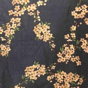 Helt ny GP&j baker klänning med jättefint mönster. Från H&Ms sida: