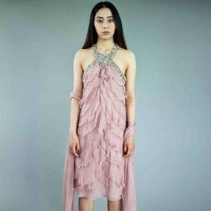Pronovias pure silk dusty pink dress & scarf size XS Original tags Few stones are missing (not visible) SIZE Label: E 36, fits best XS Model: 165/XXS-XS (a bit big on her) Measurements:  length: 80 cm/ 31.5