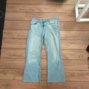 Ett par 70s denim jeans. I väldigt gott skick.