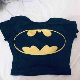 Batmantröja Xs/s Bra skick Från wish så inte bästa materialet men snygg och hållbar
