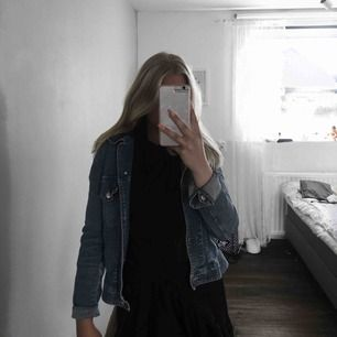 En katharine hamnett jeansjacka Jättebra skick  Nypris 1000
