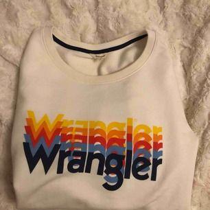 Tröja från Wrangler, knappt använd. Köpte den på Carlings i vintras men den har inte kommit till användning.