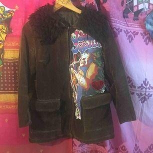 Äkta vintage jacka omsydd av mig så helt unik. Med Janis Joplin Fri frakt