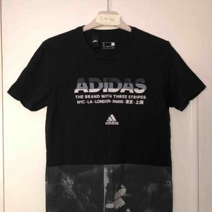 Adidas t shirt i bra skick. Endast provat den nångång.