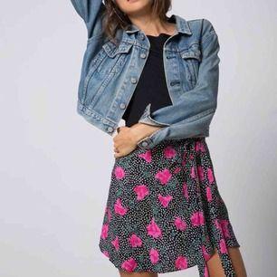 Ny oanvänd kjol fr Motel Rocks i omlott. Inköpt på asos förra året.   Strl S.