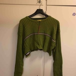 croppad tröja från unif Aldrig använd  Originalpris 800kr  Endast Swish och frakt ingår