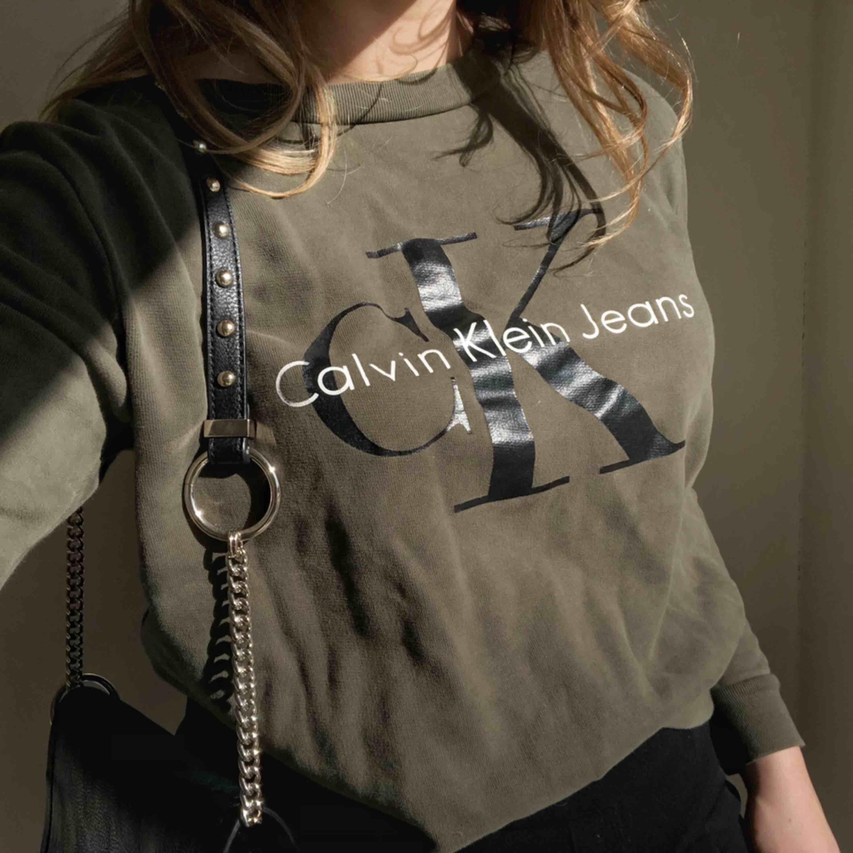 Calvin Klein tröja, köpt i Stockholm 💕. Toppar.