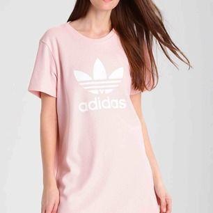Helt ny, klänning från adidas  Köpt på zalando, slutsåld