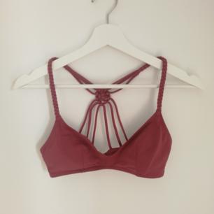 Bikinitopp, endast provad Betalas med swish (+frakt)