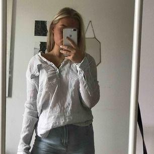 Asskön skjorta från Zara. Perfekt till stranden!!!
