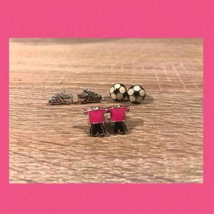 Superfina fotbollsinspirerade örhängen! Passar perfekt som en present till en fotbollsperson;) 10kr st +9kr frakt