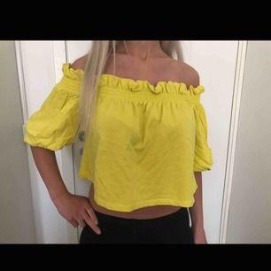 Belly shoulder shirt