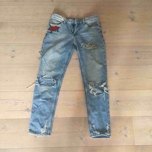 Raka jeans från Cubus i bra skick. Köpare står för frakt annars går det bra att mötas upp i Lund!