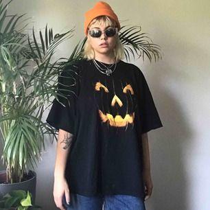 🧡Oversized halloween Tröja🧡 Kan fraktas ❣️Möts upp i Sthlm ❣️
