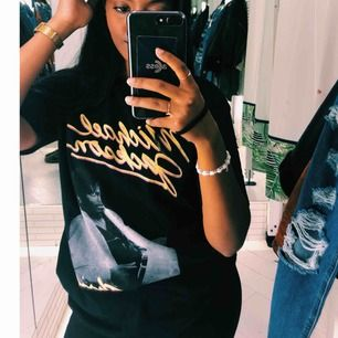 Michael Jackson shirt from Pull & Bear (used only twice) in perfect condition. Meet in Stockholm C. Delivery also available (you pay for delivery)