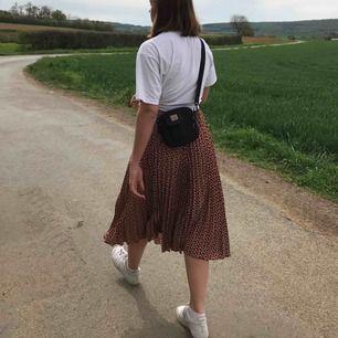 Snygg kjol från weekday🧡