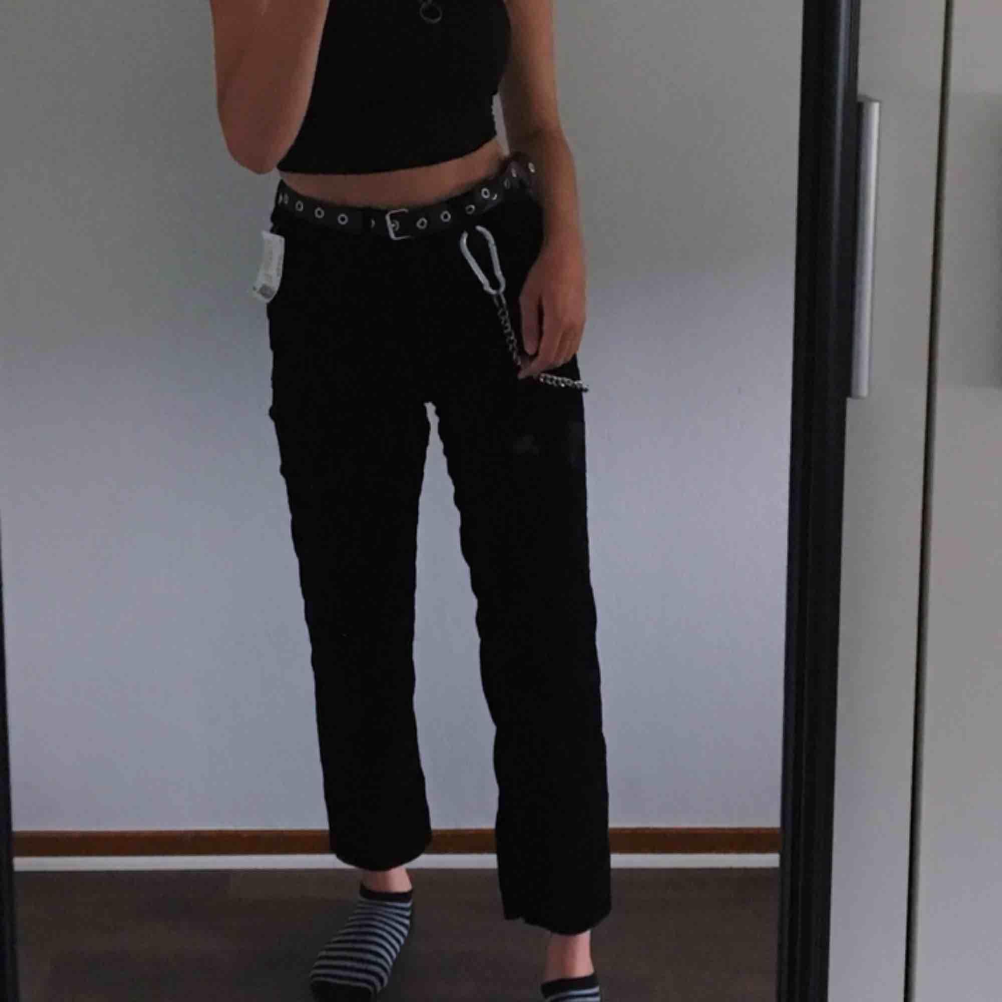 helt nya manchester momjeans köpta för ett tag sen men som jag aldrig använde, frakten är redan inräknad! . Jeans & Byxor.