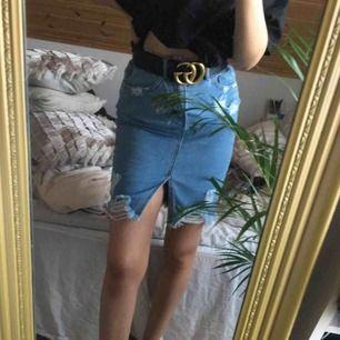 Super fin jeans kjol från missguided! Helt ny & oanvänd! Prislappen finns kvar