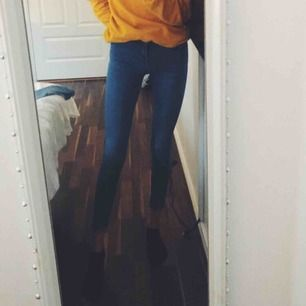 👖 Alex Jeans 👖 - • S • Gina Tricot • Low Waist • Fint skick • Ej töjda • 50kr + ev frakt