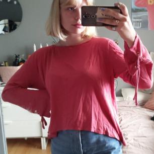 Långärmad tröja i en