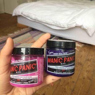 """Säljer två hårfärger från manic panic en i färgen """"cotton candy"""" och en i """"electric amethyst"""" båda är fulla, har bara testat på en slinga:)"""