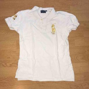 Ralph Lauren polo t-shirt. Köpare står för frakt💕
