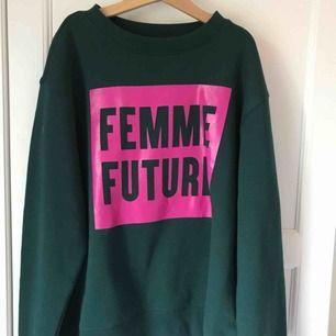 Cool tröja ifrån monki oanvänd