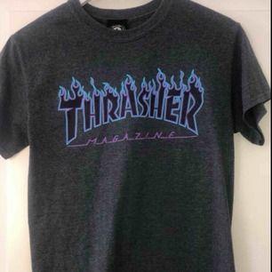 Äkta trasher t-shirt. Köpt för ungefär 550kr. Det är bara att ställa frågor om ni undrar något finns inga dumma frågor☺️ högsta bud: 300kr