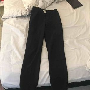 Kostymbyxor från hm i storlek 36