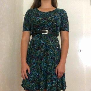 Mjuk och skön mönstrad klänning från indiska. Köparen står för frakten🌸