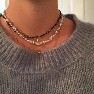 Halsband som jag pärlat själv! Ca 40cm i längd. 45kr exklusive frakt.😋