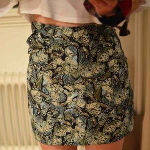 Så snygg kjol från Zara! Som en strl XS, för liten för mig som är en S. Frakt 45 kr eller möts upp i Göteborg.