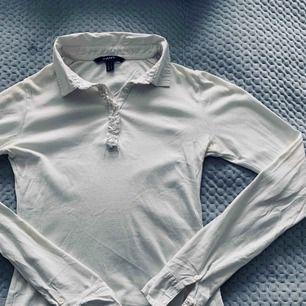 Jättegullig tröja från GANT med fina detaljer. Otroligt mjukt och skönt material.