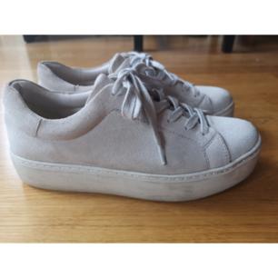 Snygga skor från Vagabond. Ta 3 betala för 2 gäller på allt, billigaste på köpet✨ Övrig generell info om hur jag säljer: läs min profil.