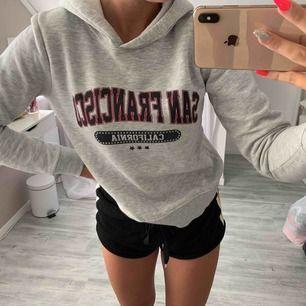 Jätte fin hoodie från Gina , knappt använd