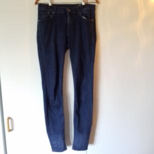 Stretchiga Crocker-jeans med smala ben