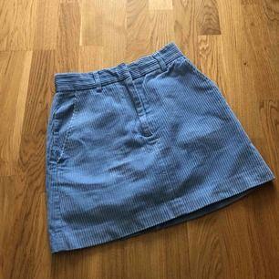 Blå Manchester kjol från hm i storlek 36. Använd ca 2 gånger