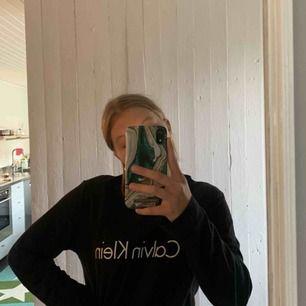 En äkta Calvin Klein tröja, nypris 400 kronor! Använd 2 gånger. Bra skick!💕 säljer den för 100 + 54 frakt!