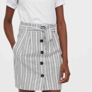 Helt ny paperbag-kjol från Hm med lappar kvar.