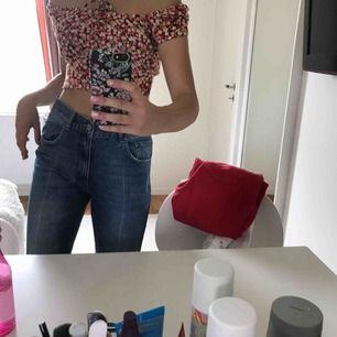 Såååå snygga jeans ifrån AnnieBing, nypris typ 2000kr kommer inte ihåg exakt! Om det blir fler köpare blir de bud