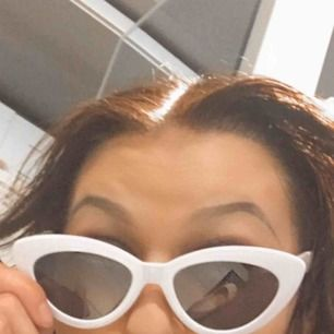 Coola cateye solglasögon från H&M. Använda en gång.