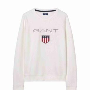 En fin och mysig sweatshirt från Gant. Såklart äkta! 😊 Kan skickas med post men då står köparen för frakten. Nypris ligger runt 999 kr!
