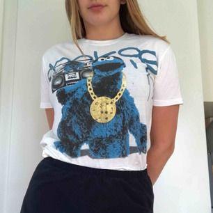 Cookie monster T-shirt från Forever 21!  Storlek M  Möts up i Stockholm