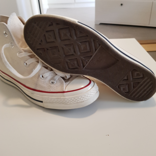 Helt nya converse storlek 37
