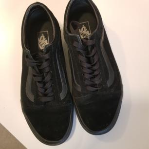 Helt nya Vans storlek 41 passar även 41,5 i svart färg