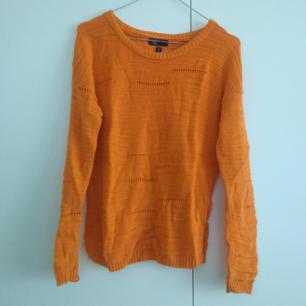 Orange tunt virkad tröja från Carlings