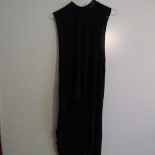 Svart klänning med
