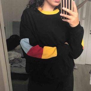 Sweatshirt med färger, buda fritt!!