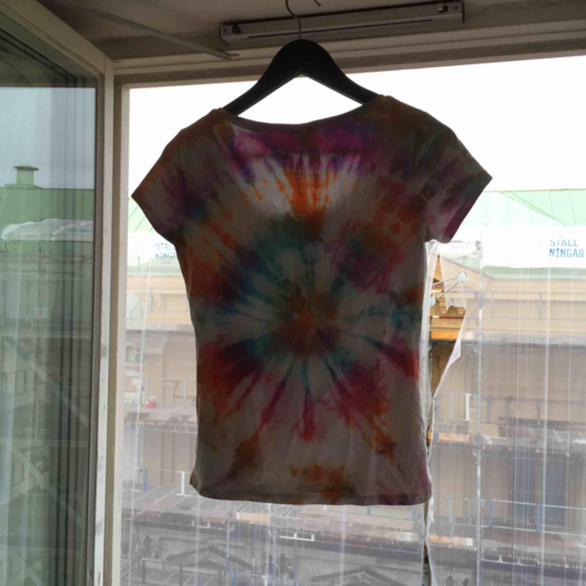 Tie-dye 🌸. T-shirts.
