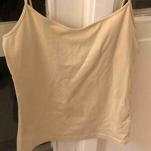 Beiget linne i stl s  Möts upp i Stockholm eller fraktar (kunden står för fraktkostnad)
